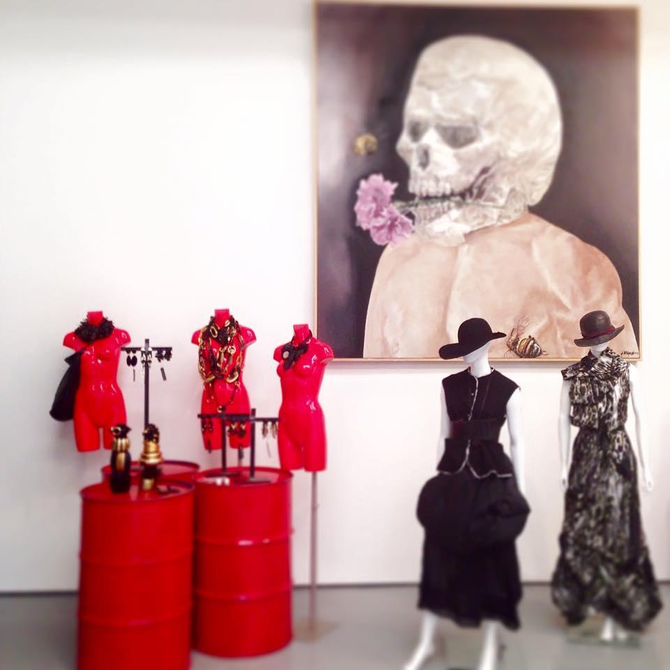 If boutique dubai an edgy designer 39 s boutique we modern for Boutique one dubai