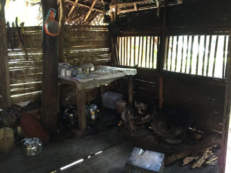 PNG Kanganamun guesthouse Kitchen