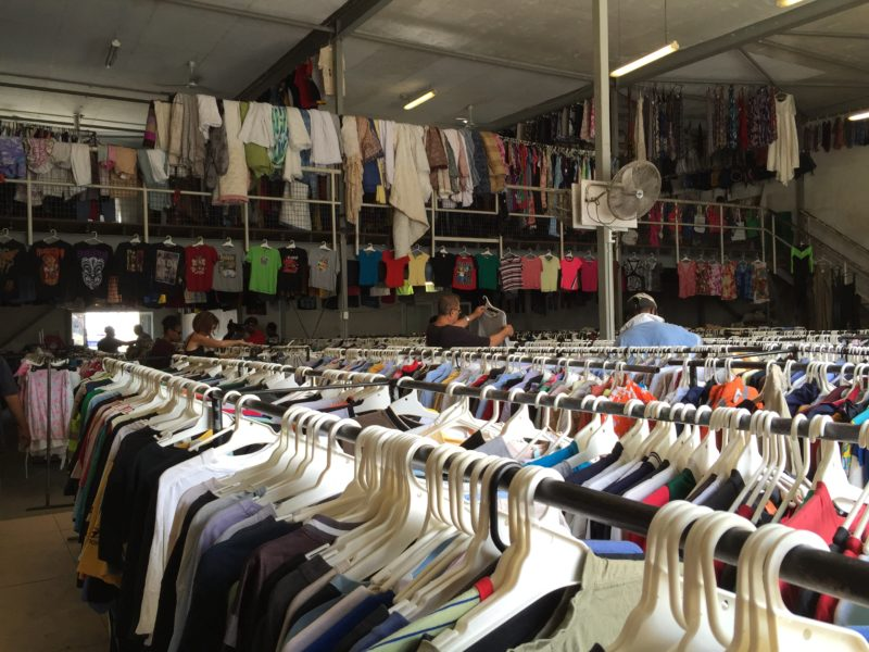 Port-Moresby-Vintage-Shopping